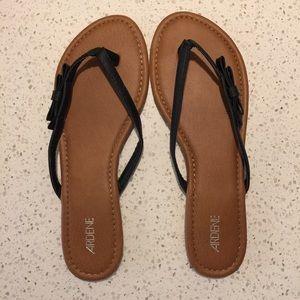 👕5/$20👕 Ardene Rhinestone Bow Flip Flop Sandals